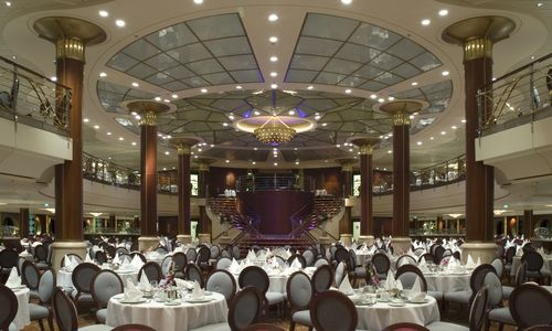 Cruise-ship-dining-room
