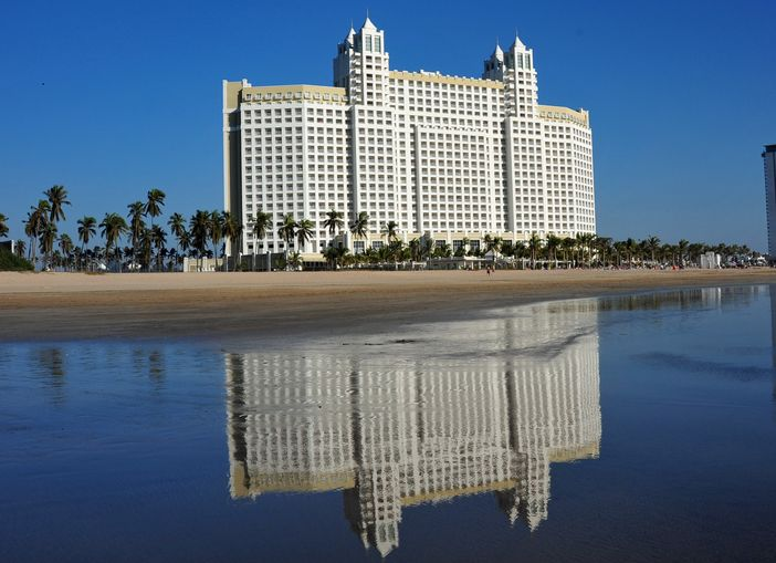 Best things to do in Mazatlan - Staying at the famous Hotel Riu