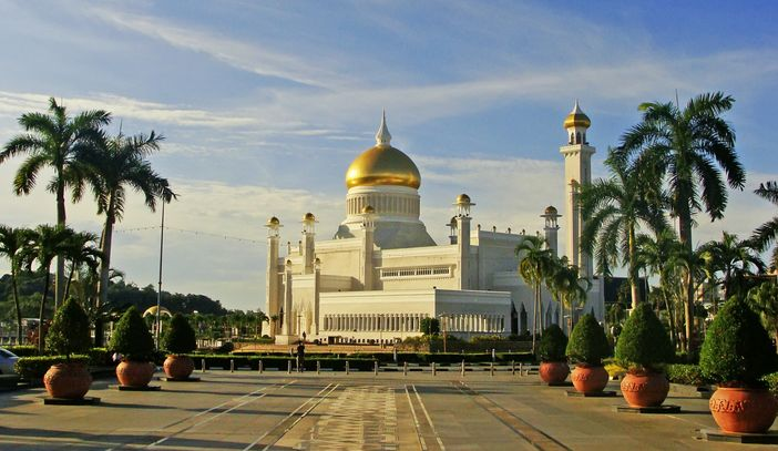 Sultan Omar Ali Saifuddin Mosque in-Bandar Seri Begawan Brunei