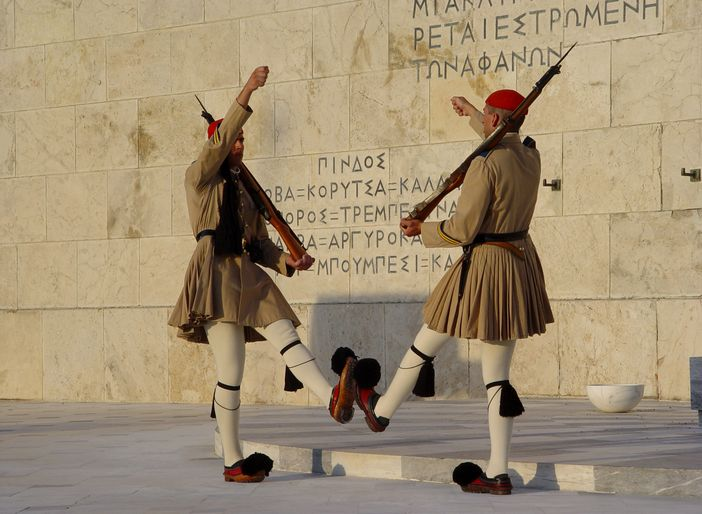 Top attractions in Athens: Syntagma Square and the greek Parliament