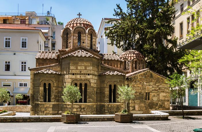 Things to do in Athens: visit the Church of Panaghia Kapnikarea