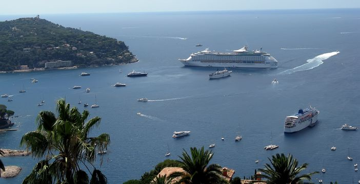 Places to visit in the French Riviera: Yachts and cruise ships at Monaco Bay