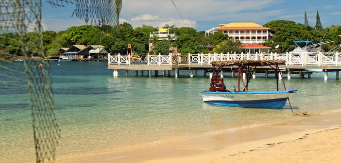 Roatan Excursions: West End Beach