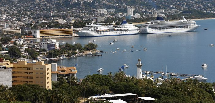 Cruise ships in Acapulco