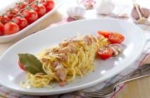 Italian Spaghetti Carbonara with tomato