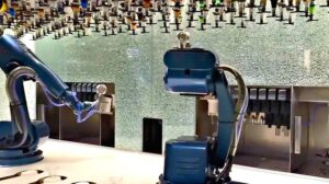 Ovation's robotic bartenders
