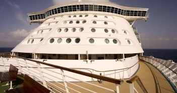 How to Apply for a Cruise Ship Job