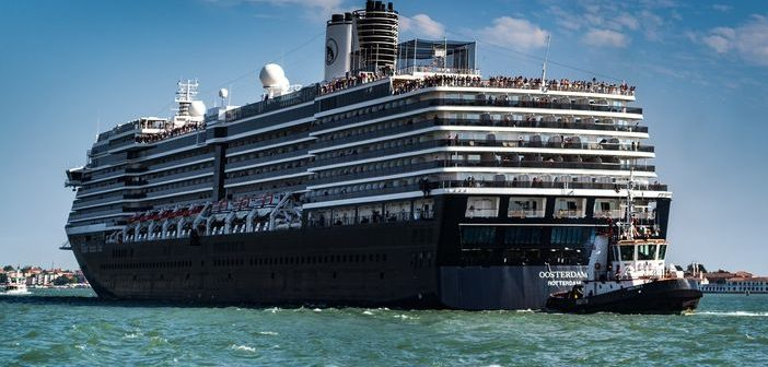 10 Holland America cruise price drops