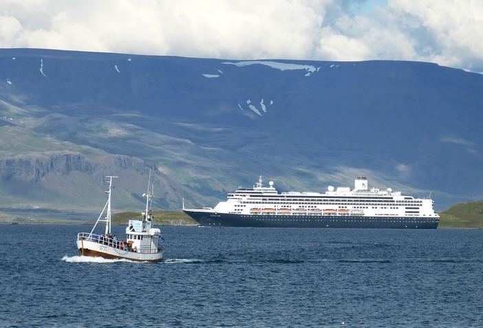 ms Rotterdam arriving in Reykjavik