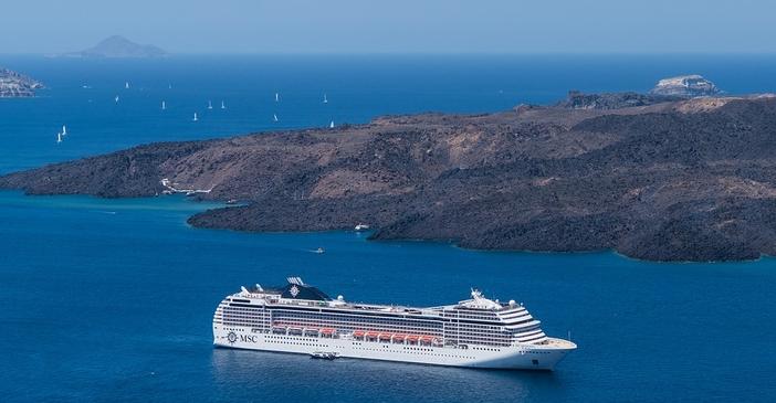 Mediterranean cruise vacations: sailing to Santorini