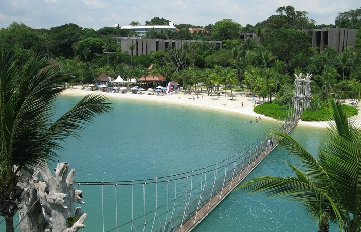 Things to do in Singapore: Visiting Sentosa beach