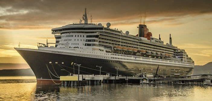 Cunard Cruise Line - Queen Mary 2 sunset