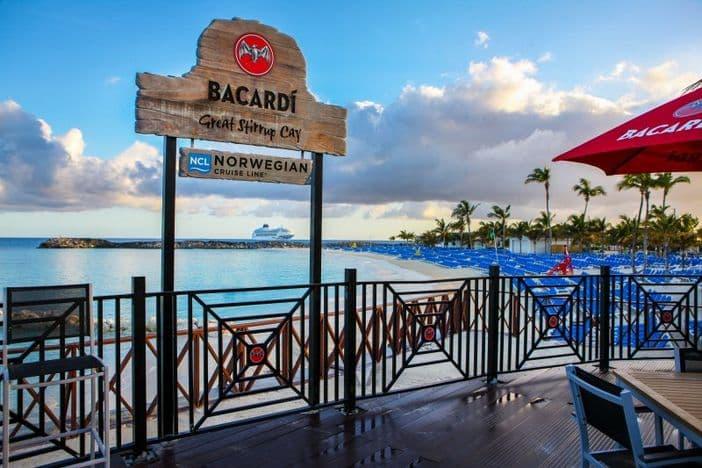 Bacardí Bar Sign