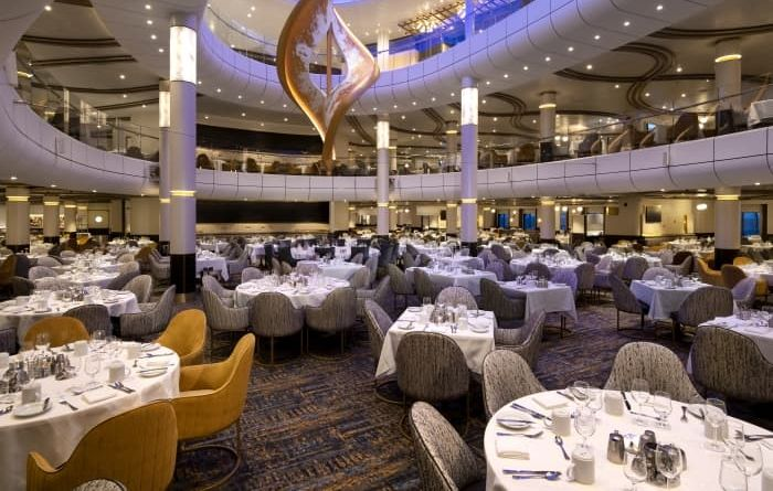 cruise ship amenties: dining room